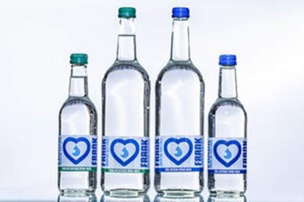 Drinking Water Packing in Glass Bottle_副本